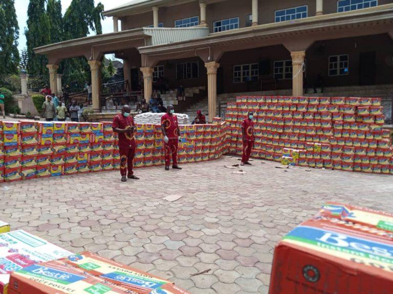 Senator Stella Oduah Shares Food Items In Anambra 9
